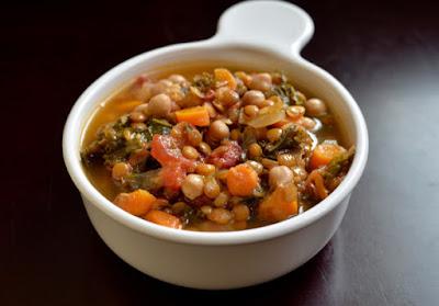 Sopa de Grão-de-Bico com Lentilhas e Vegetais (vegana)