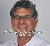 Coluna Estrada Iluminada