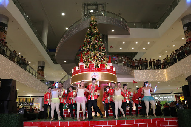 Dancers during SM City Consolacion Christmas Tree Lighting