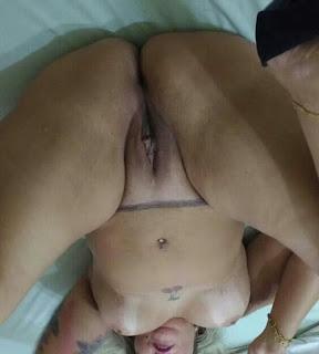 Madura caderona desnuda piernas gruesas