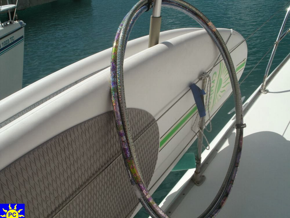 Charter Catamaran STEPPIN UP - Hula Hoops