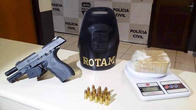 ROTAM apreende drogas e arma no Canguiri em Colombo