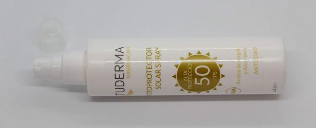 Fotoprotector solar spray antiedad