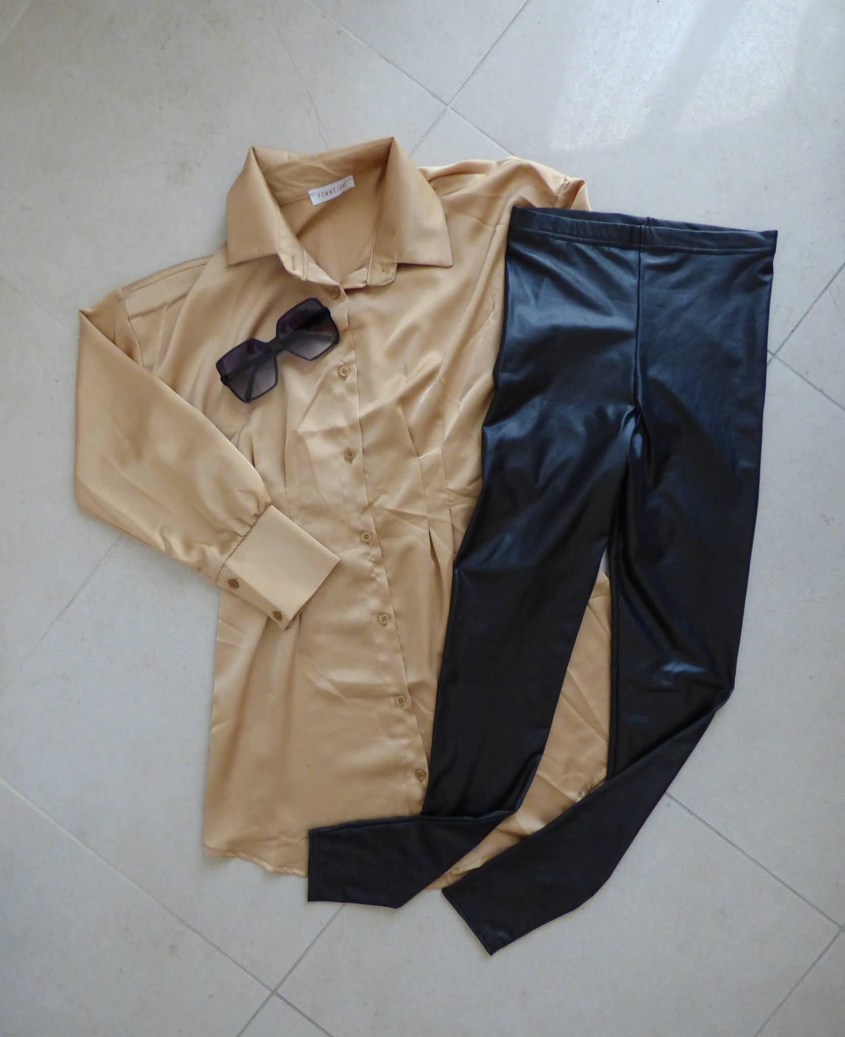 Summer look 2021 gold shirt dress e Leggings neri