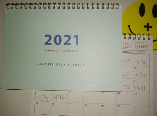 100円均一 カレンダー