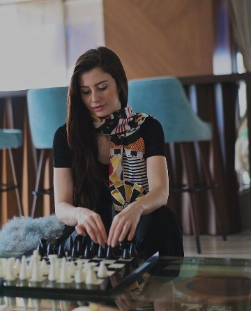 Georgia Andriani Is Hot & Gorgeous .