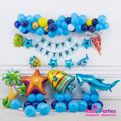 Cửa hàng bán phụ kiện trang trí sinh nhật ở Hàng Bài