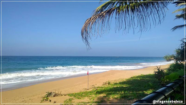 praia de induruwa no sri lanka