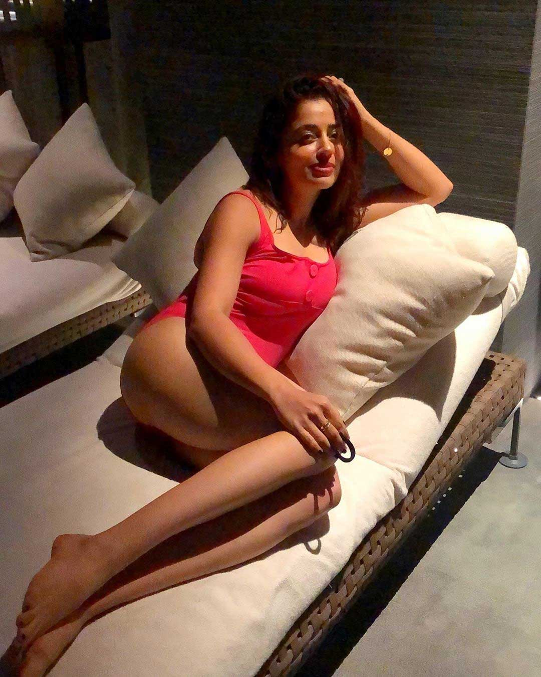 neha pendse, neha pendse bikini, may i come in madam actress