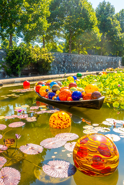 Chihuly at The Biltmore - Niijma Floats, 2018 & Float Boat, 2017