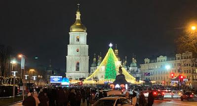 """В Буковеле и центре Киева население игнорирует """"жесткий карантин"""""""