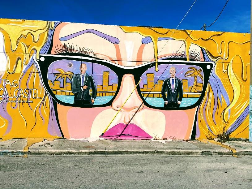 Stencilgirl Talk Graffiti Folder With Samie Harding
