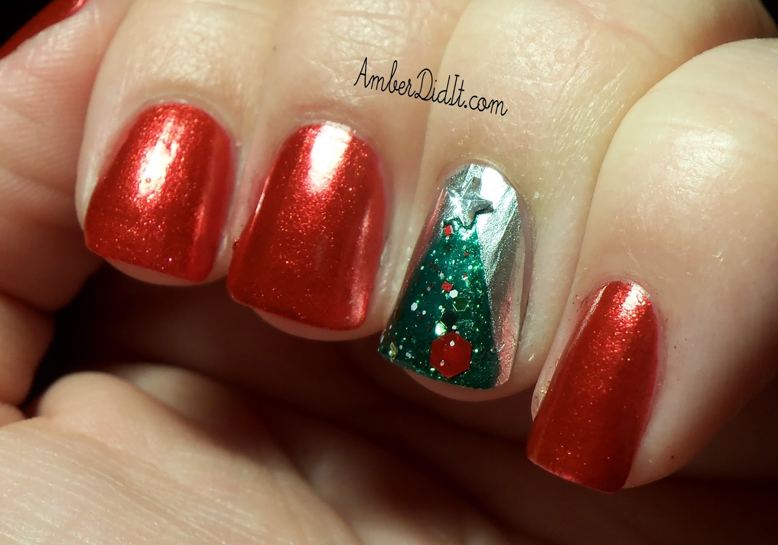 Amber did it!: OH Christmas Tree nails