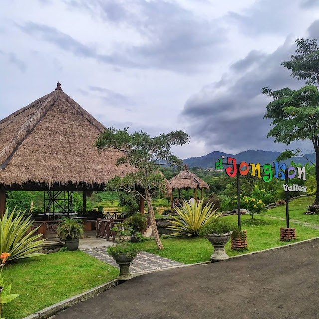 Desa Jongkon Cafe & Resto Sentul Bogor
