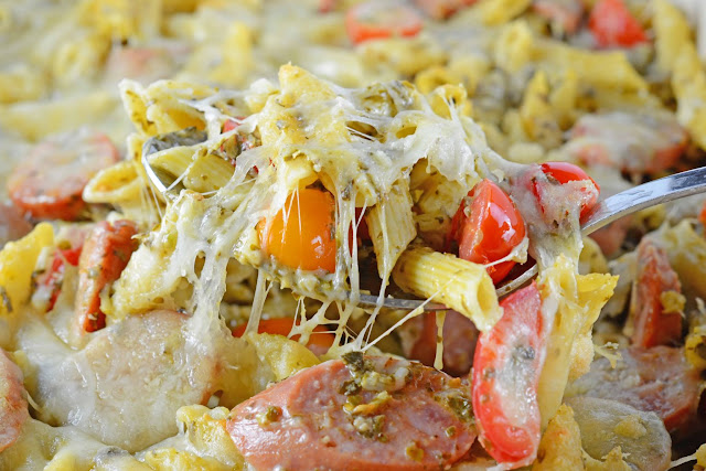 Are you looking for a comforting and delicious pasta casserole recipe to make tonight? This roundup includes recipes for pasta bakes, lasagnas, casseroles, and more! #casseroles #pasta #comfortfood