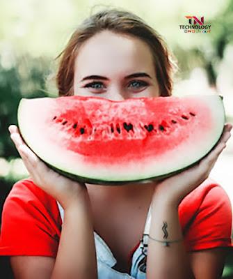 An order satisfying the thirst watermelon - Tarbooz khane ke fayde