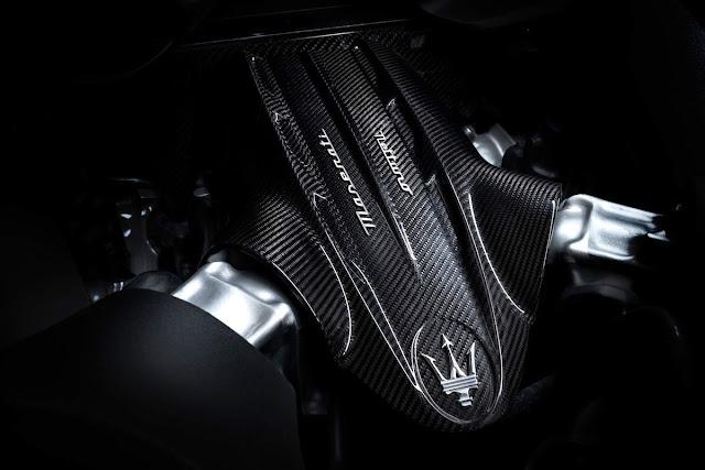 マセラティMC20 V6ツインターボエンジン