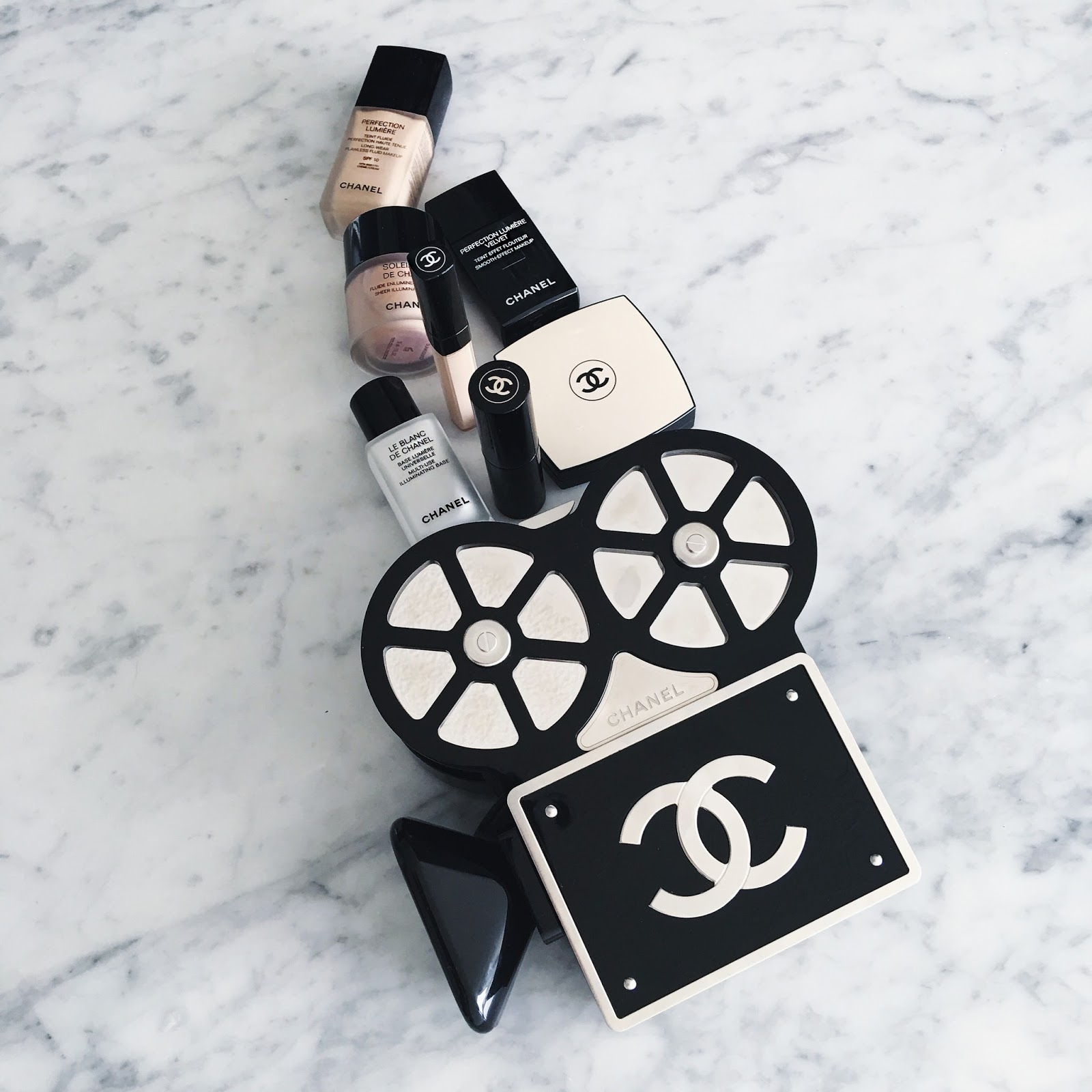 Chanel Beauty Jaysrut Le Blanc De Makeup Base Perfection Lumiere Smooth Effect For Skin Correcteur Concealer Eyes Illumating