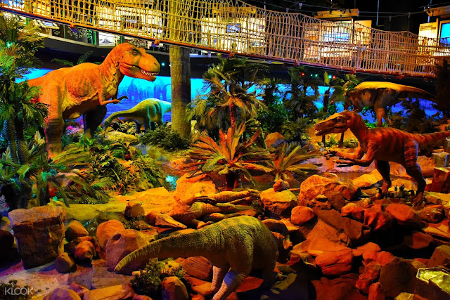 many dinosaurs in Petrosains Discovery Center