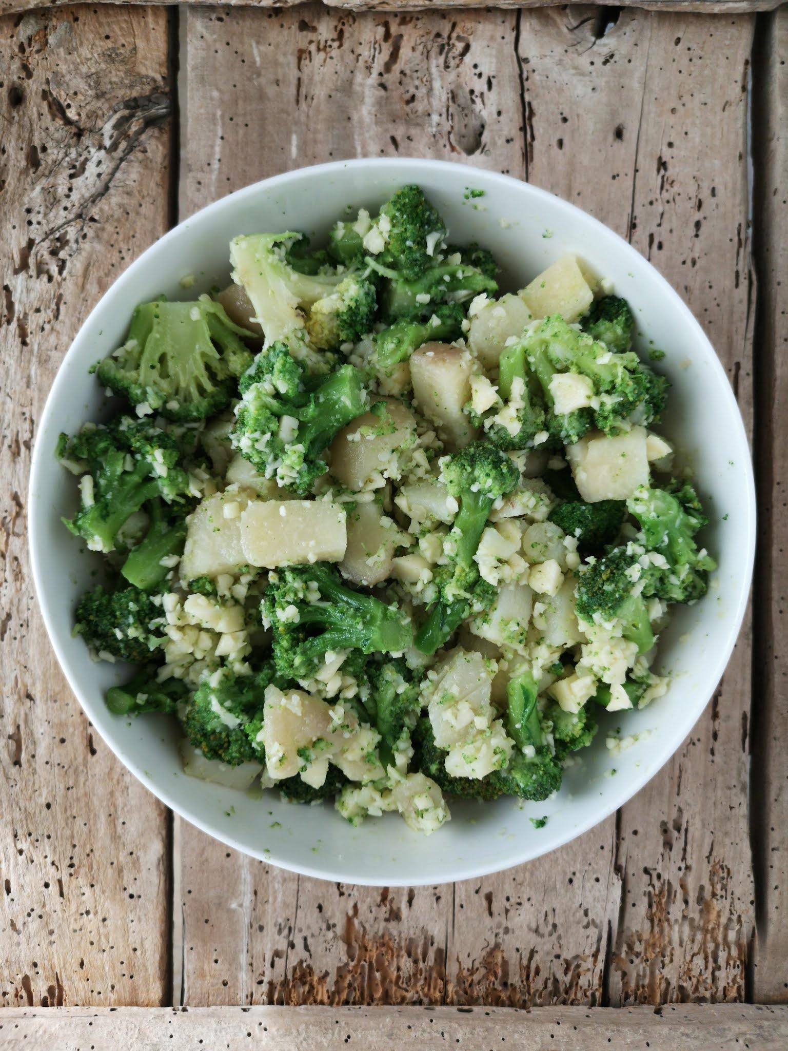 sformato di broccoli con scamorza e semi di girasole