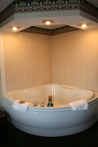 Rose Wood Furniture Jacuzzi Bathtubs