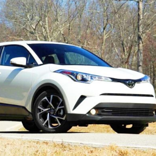 Review Toyota CHR : Mobil SUV Hybrid