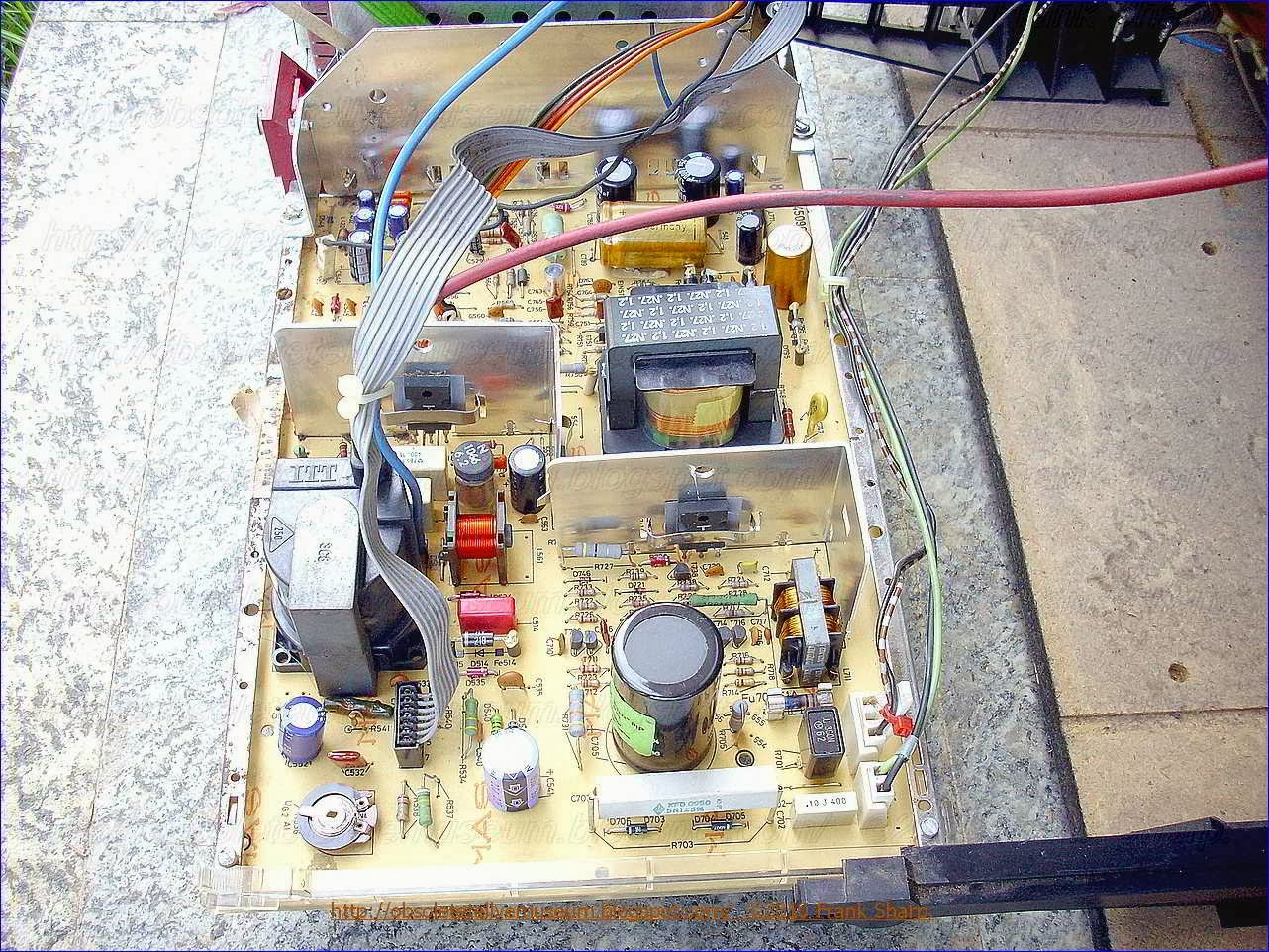 Obsolete Technology Tellye Itt Digivision 3876 Hifi Oscar Chassis Transistor Tester Circuit Diagram Likewise Switch 1 Of The Flyback Period And Instant T 3 When Collector Current I C Reverses Its Direction It Is True That Emitter Flows Through