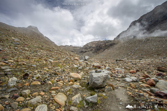 Debris, pin parvati pass base camp, self supported