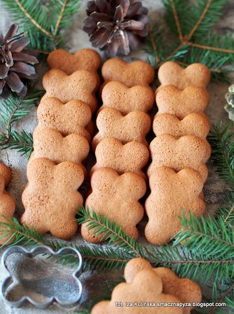 domowe pierniki, ciasteczka piernikowe, ciastka korzenne, ciasteczka chmurki, bożenarodzenie