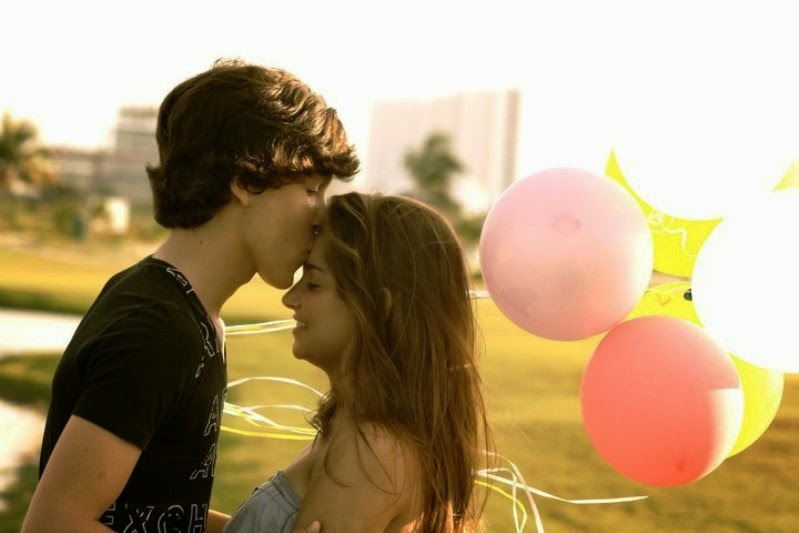 Crush Shayari Boy Girl Couple in love