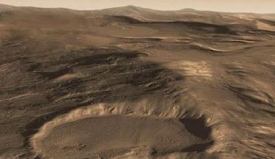 Gletser Mars Mengandung Sejumlah Besar Air