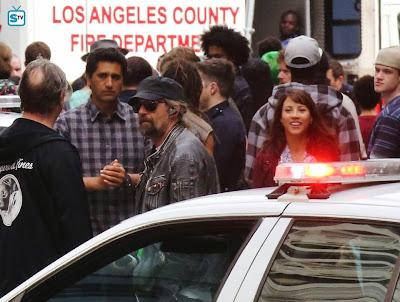 Cliff Curtis (Travis) ed Elizabeth Rodriguez (Liza, l'ex moglie di Travis) sul set a Vancouver