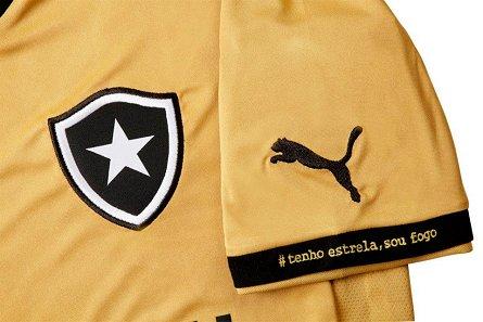 Botafogo lança camisa dourada com ação para medir a paixão da torcida aae35502c21e2