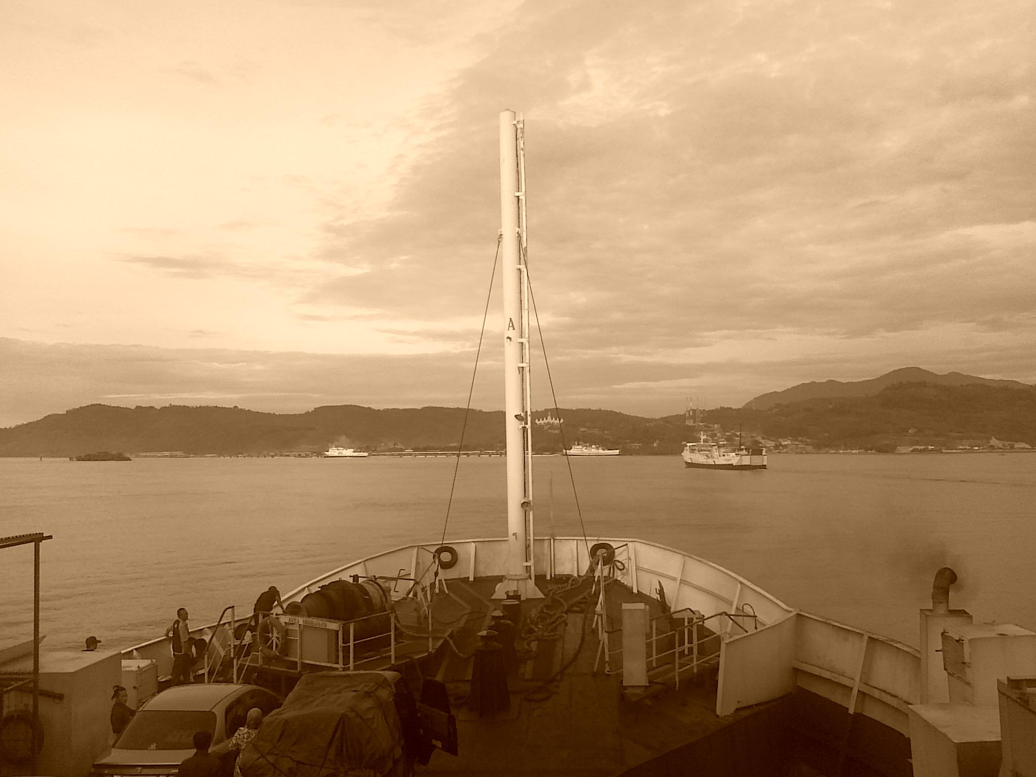 Pelabuhan Bakauheni Dari Kejauhan