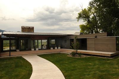 Contemporary prefab home, Montana