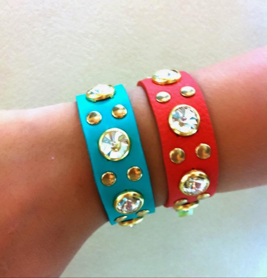 Sejam de tiras bem largas ou fininhas, essas pulseiras são bem práticas. A  CARMEN STEFFENS tem ótimas opções, as da nova coleção vão vir com cores  mais ... 4f9fd04f5f