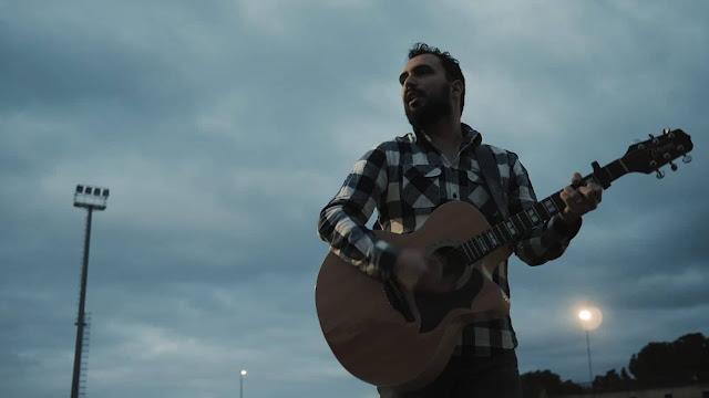 """Roberto Rajmondi :Fotogramma del videoclip """"Cento volte"""""""