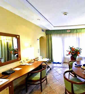 Kairaba Hotel Executive Suite