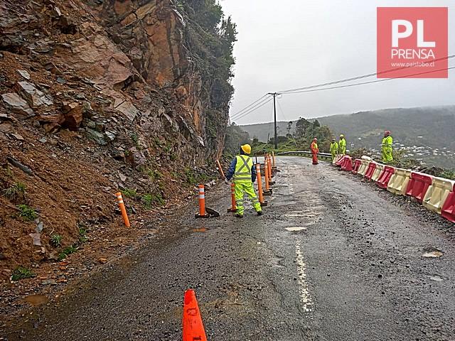 Preocupantes derrumbes en ruta Bahía Mansa - Maicolpue