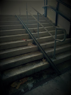 prolaz-ispod-zeleznicke-stanice-mracni-hodnik-kresanje-kondomi