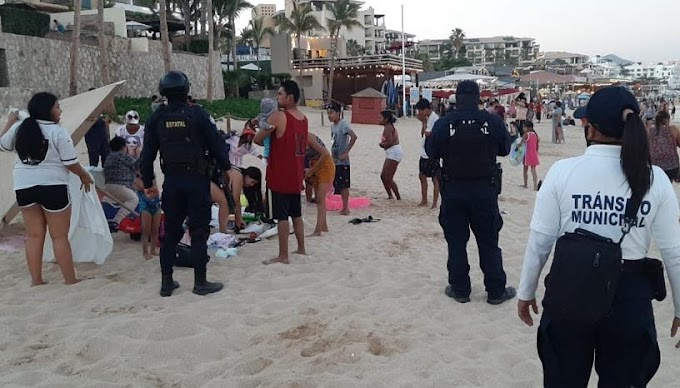 Tourists must keep a healthy distance on Los Cabos Beaches