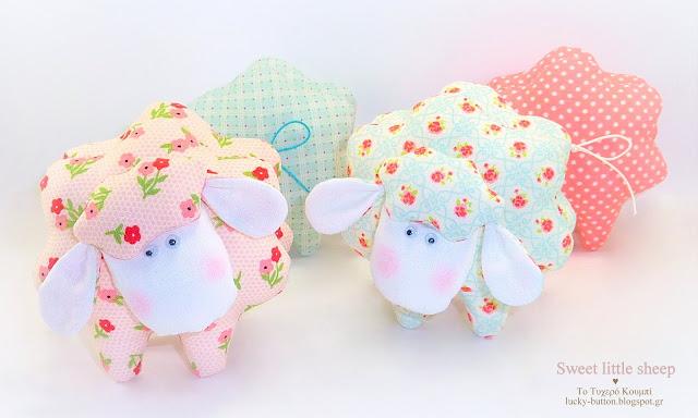 """""""Sweet little sheep"""" Υφασμάτινο χειροποίητο προβατάκι Διακοσμητικό, μπομπονιέρα βάπτισης"""