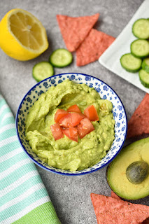 Easy 4-Ingredient Guacamole (Vegan, Gluten-Free)