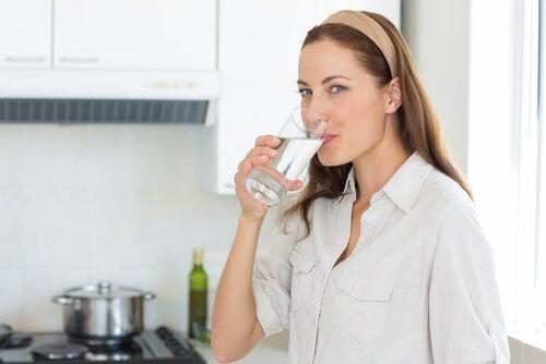 manfaat-minum-air-putih-setiap-hari