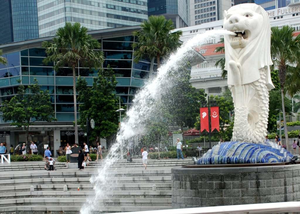 1 patung merlion dan esplanade