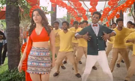 Kaththi Sandai – Naan Konjam Karuppu Thaan Song Video l Vishal, Tamannaah