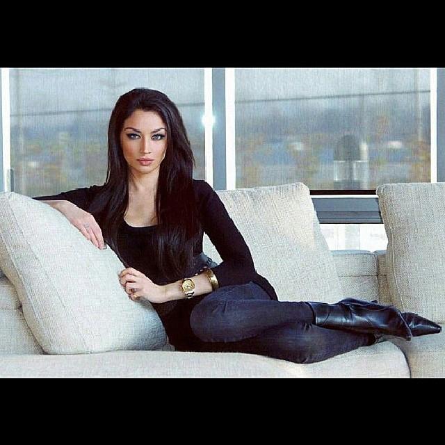 Claudia Lynx Photos