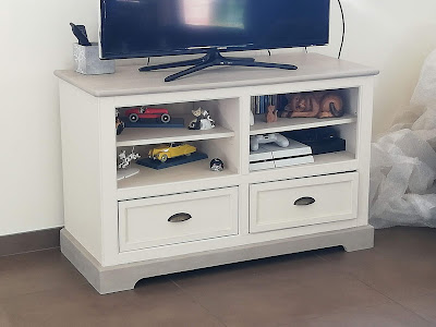 meuble-tv-patiné-taupe-lin
