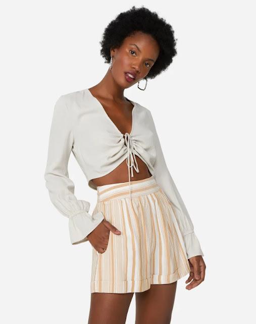 short estruturado cintura alta com listras