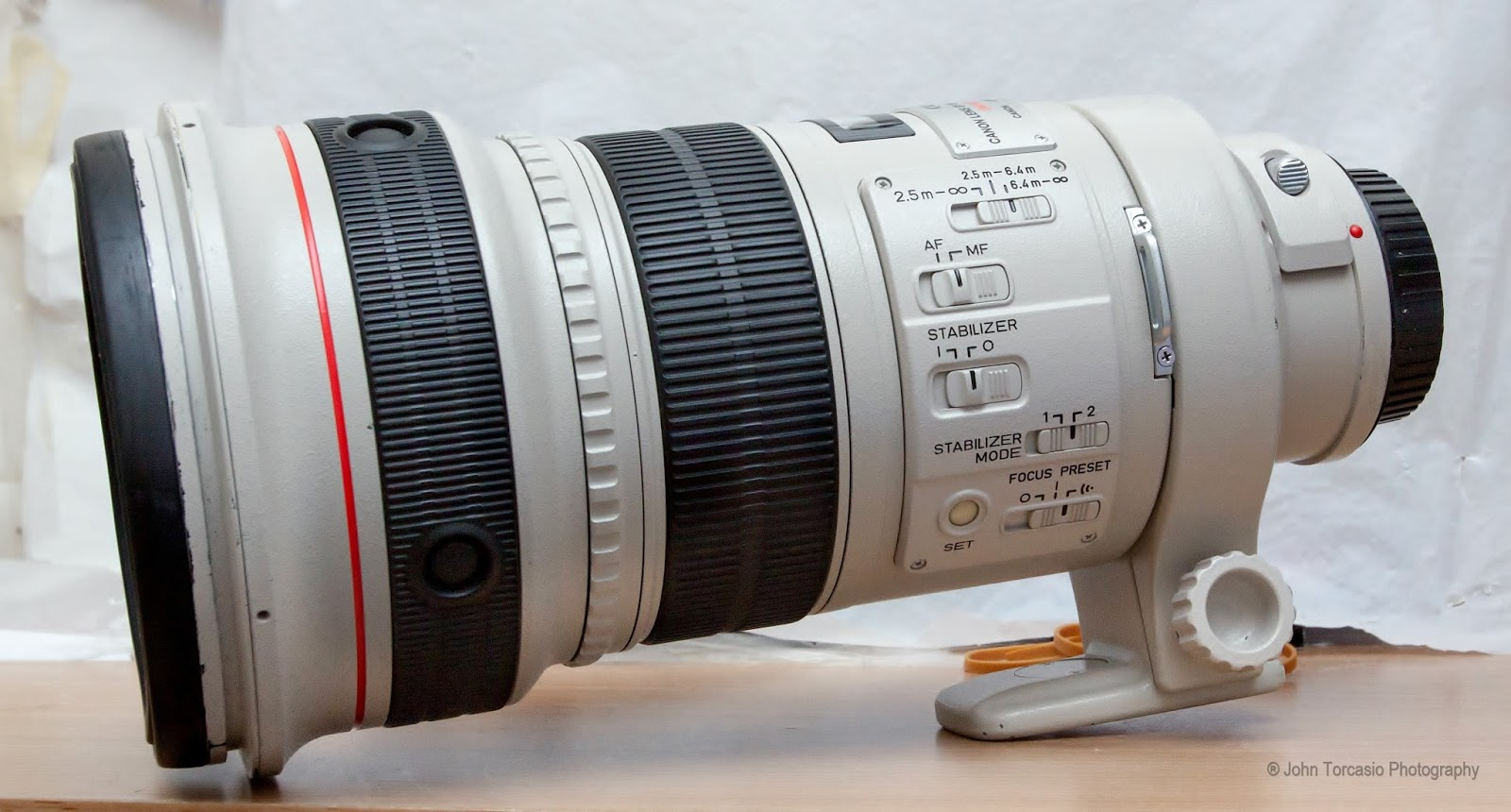 Canon EF 300mm f2.8L IS USM Lens